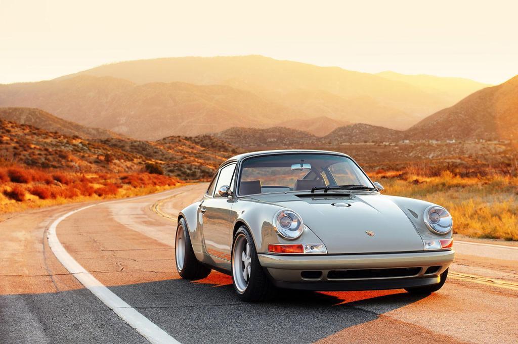 Singer-Porsche-911-NY-2